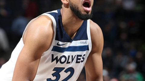 MINNEAPOLIS, MN - APRIL 9: Karl-Anthony Towns #32 of the Minnesota Timberwolves shoots the ball against the Memphis Grizzlies on April 9, 2018 at Target Center in Minneapolis, Minnesota. (Photo by David Sherman/NBAE via Getty Images)