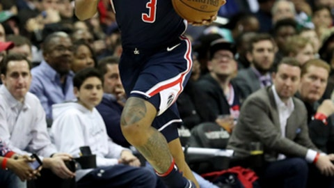 WASHINGTON, DC - APRIL 10: Bradley Beal #3 of the Washington Wizards dribbles the ball against the Boston Celtics at Capital One Arena on April 10, 2018 in Washington, DC. (Photo by Rob Carr/Getty Images)