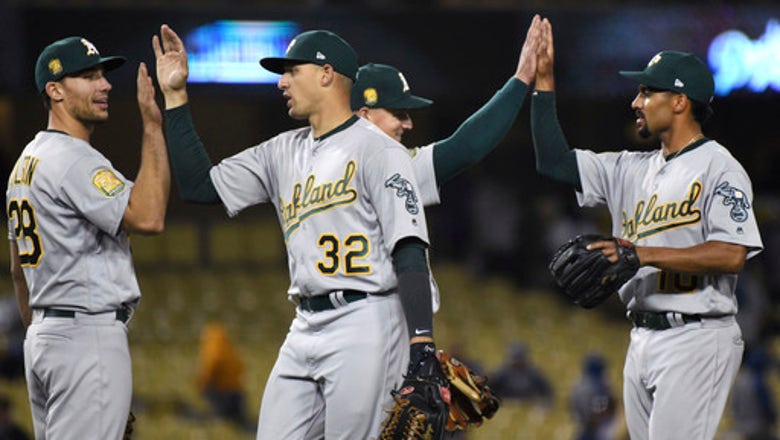 A's sell Thompson to White Sox, who sell Saladino to Brewers