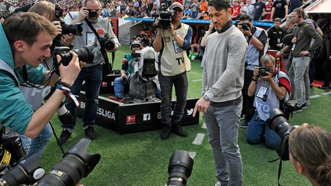 Frankfurt's head coach Niko Kovac is surrounded by cameras prior the German Bundesliga soccer match between Bayer Leverkusen and Eintracht Frankfurt in Leverkusen Germany Saturday