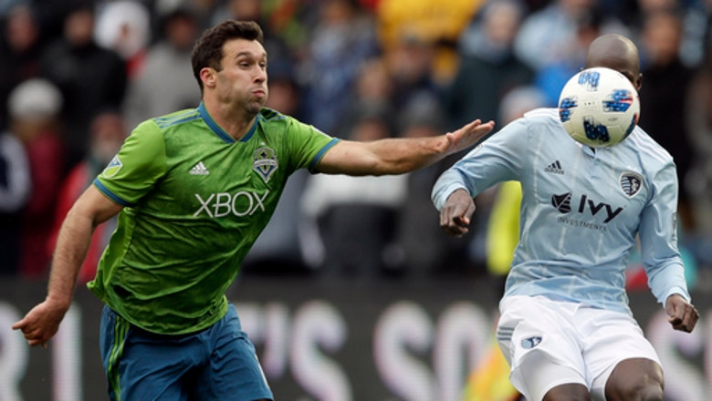 Zusi's goal lifts Sporting KC to 2-2 draw with Sounders