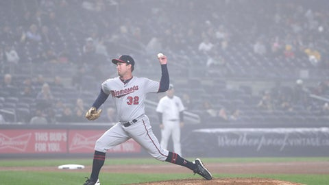 Minnesota Twins pitcher Zach Duke (32) delivers against the New York Yankees during the sixth inning of a baseball game, Wednesday, April 25, 2018, in New York. (AP Photo/Julie Jacobson)