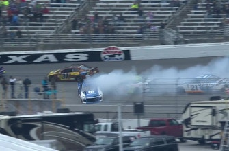 Alex Bowman spins early, trigger multi-car crash | 2018 TEXAS MOTOR SPEEDWAY | FOX NASCAR