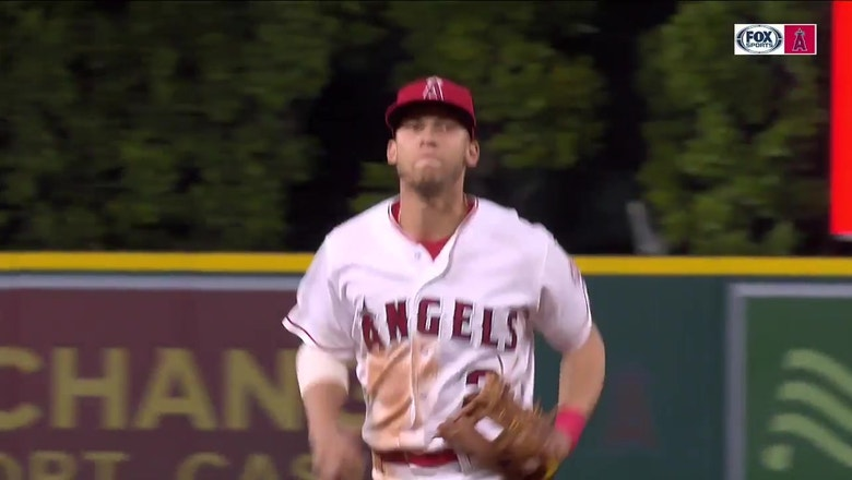 Andrelton Simmons turns 'best double play you'll ever see'