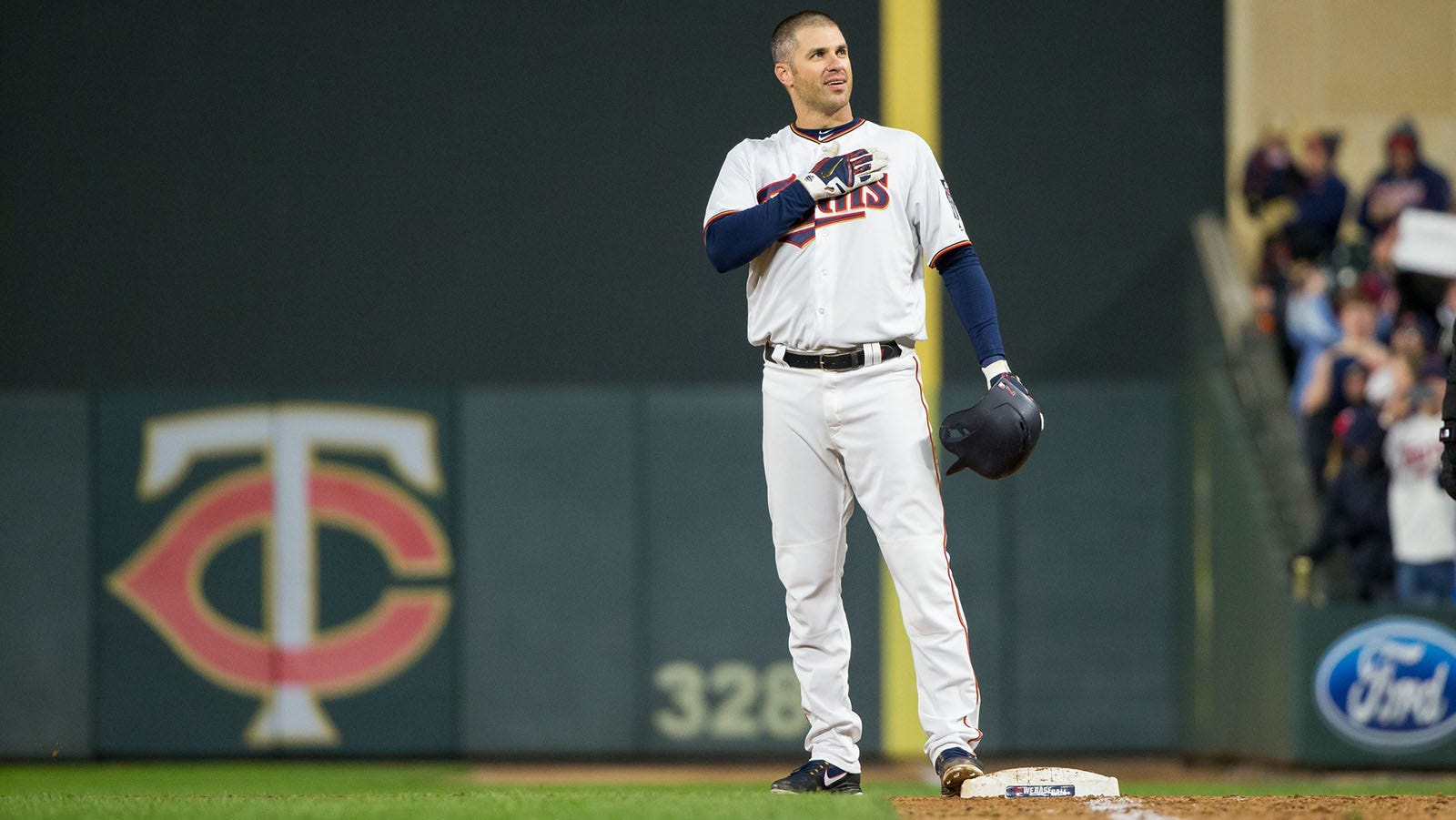 StaTuesday: Twins' Mauer joins short list of players with 2,000 hits