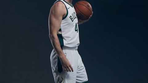 Marshall Plumlee, Bucks forward