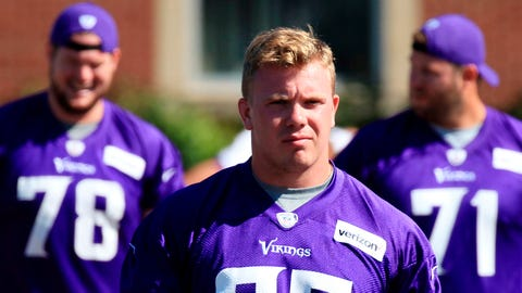 Pat Elflein, Vikings center (↓ DOWN)