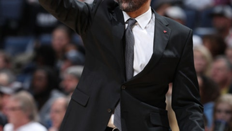 MEMPHIS, TN - NOVEMBER 20: Head Coach David Fizdale of the Memphis Grizzlies coaches during the game against the Portland Trail Blazers on November 20, 2017 at FedExForum in Memphis, Tennessee. (Photo by Joe Murphy/NBAE via Getty Images)