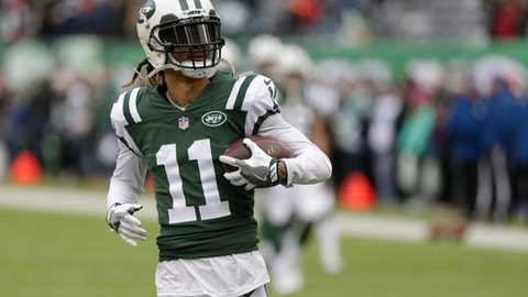 New York Jets wide receiver Robby Anderson (11) warms up before an NFL football game against the Los Angeles Chargers Sunday, Dec. 24, 2017, in East Rutherford, N.J. (AP Photo/Seth Wenig)