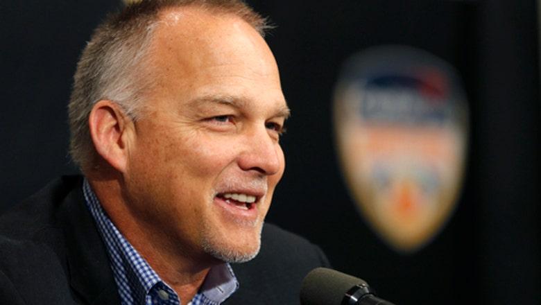 Miami extends coach Mark Richt's contract through 2023