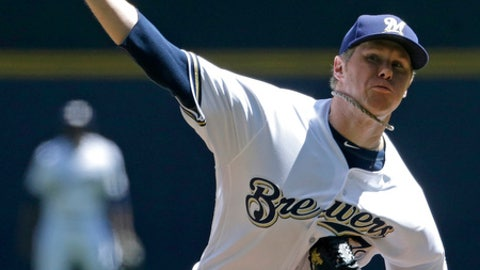 Milwaukee Brewers' Chase Anderson pitches during the first inning of a baseball game against the Pittsburgh Pirates, Sunday, May 6, 2018, in Milwaukee. (AP Photo/Aaron Gash)