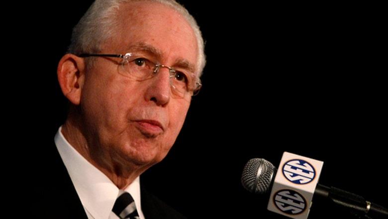 Former Southeastern Conference Commissioner Slive dies at 77