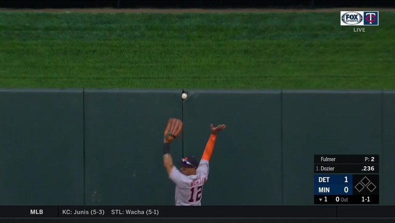 WATCH: Twins' Dozier hits a strange 'wedgie' ground-rule double