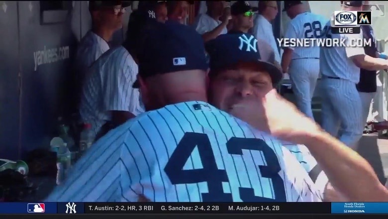 Marlins analyst Jeff Nelson plays in Yankees' Old-Timers' Day