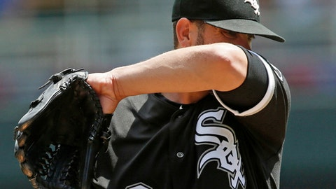 Chicago White Sox pitcher James Shields wipes his face after giving up a a three-run home run to Minnesota Twins' Eddie Rosario in the fourth inning of a baseball game Thursday, June 7, 2018, in Minneapolis. (AP Photo/Jim Mone)
