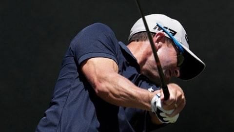 Tim Wilkinson, of New Zealand, plays his shot from the fourth tee during the first round of the U.S. Open Golf Championship, Thursday, June 14, 2018, in Southampton, N.Y. (AP Photo/Julio Cortez)