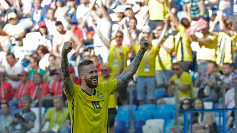 Sweden's Pontus Jansson celebrates his team victory over South Kodea during the group F match between Sweden and South Korea at the 2018 soccer World Cup in the Nizhny Novgorod stadium in Nizhny Novgorod, Russia, Monday, June 18, 2018. (AP Photo/Lee Jin-man)