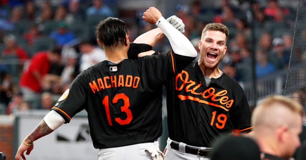 a95329c16d7 Machado hits 2-run HR in 15th as Orioles beat Braves 10-7