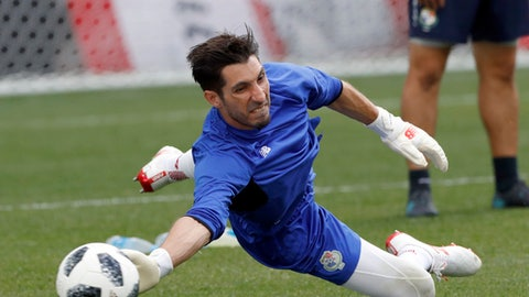 Panama goalkeeper Jaime Penedo makes a save during a training session of Panama at the 2018 soccer World Cup in Nizhny Novgorod, Russia, Saturday, June 23, 2018. (AP Photo/Darko Bandic)