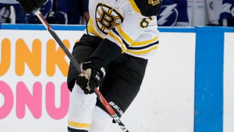 Boston Bruins left wing Rick Nash during the first period of Game 1 of an NHL second-round hockey playoff series against the Tampa Bay Lightning Saturday, April 28, 2018, in Tampa, Fla. (AP Photo/Chris O'Meara)