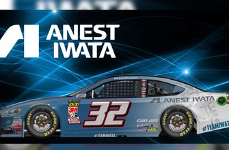 Matt DiBenedetto unveils Chicagoland Anest Iwata paint scheme on 'Pit Stop with Motte'