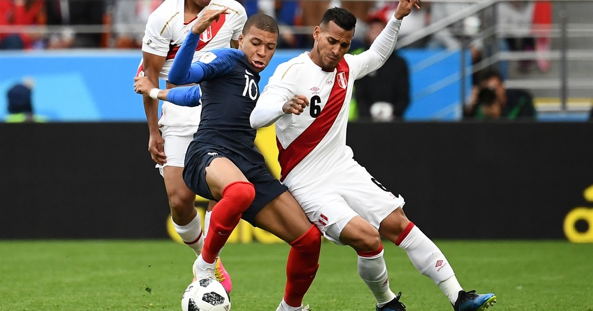 90 in 90: France vs. Peru | 2018 FIFA World Cup™ Highlights