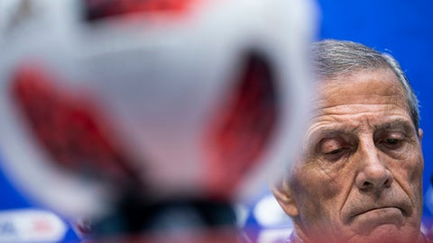 Uruguay head coach Oscar Tabarez looks down during a news conference prior Uruguay's official training on the eve of the round of 16 match between Portugal and Uruguay at the 2018 soccer World Cup in the Fisht Stadium in Sochi, Russia, Friday, June 29, 2018. (AP Photo/Francisco Seco)