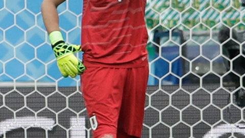 Uruguay goalkeeper Fernando Muslera reacts after France's Antoine Griezmann scored his side's second goal during the quarterfinal match between Uruguay and France at the 2018 soccer World Cup in the Nizhny Novgorod Stadium, in Nizhny Novgorod, Russia, Friday, July 6, 2018. (AP Photo/Petr David Josek)