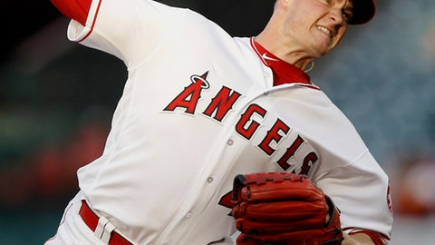 Los Angeles Angels starting pitcher Garrett Richards delivers against an Seattle Mariners batter during the first inning of a baseball game in Anaheim, Calif., Tuesday, July 10, 2018. (AP Photo/Alex Gallardo)