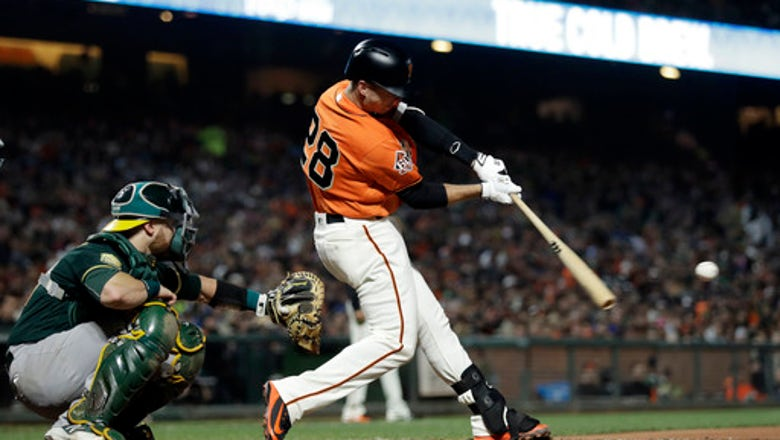 Giants slow A's roll with 7-1 win in Bay Bridge Series