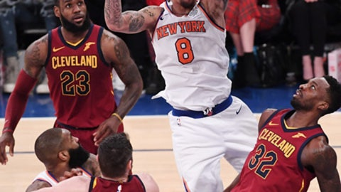 NEW YORK, NY - APRIL 9:  Michael Beasley #8 of the New York Knicks lays up a shot against Jeff Green #32 of the Cleveland Cavaliers during the game at Madison Square Garden on April 9, 2018 in New York City. (Photo by Matteo Marchi/Getty Images)