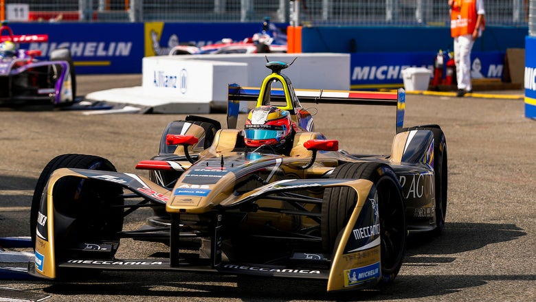 Jean-Éric Vergne wins round two of the NYC ePrix | 2018 ABB FORMULA E