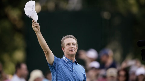 Jul 1, 2018; Colorado Springs, CO, USA; David Toms acknowledges the fans after his final putt to win the U.S. Senior Open golf tournament at the Broadmoor. Mandatory Credit: Isaiah J. Downing-USA TODAY Sports