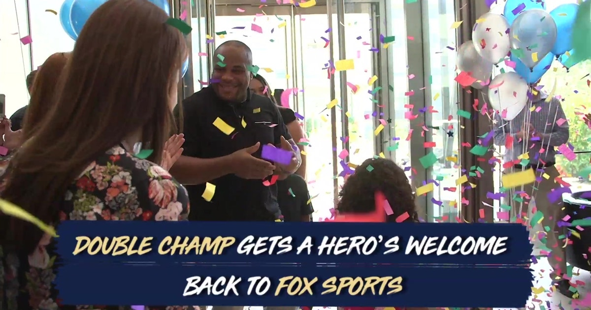 Daniel Cormier Gets A Heros Welcome In The Double Champs Return To FOX Sports Offices