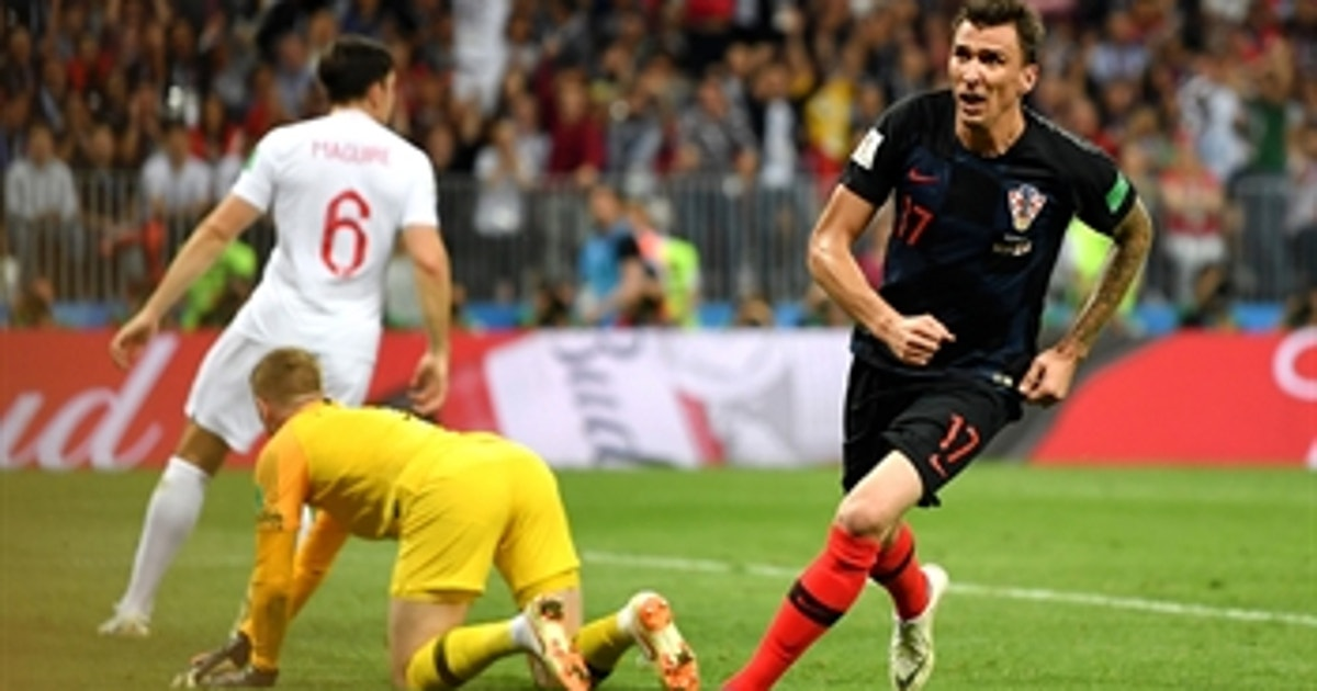 Mario Mandzukic capitalizes in extra time to send Croatia to the 2018 FIFA World Cup™ Final
