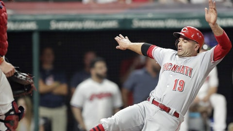 Indians allow 7 runs in 9th, lose to Reds