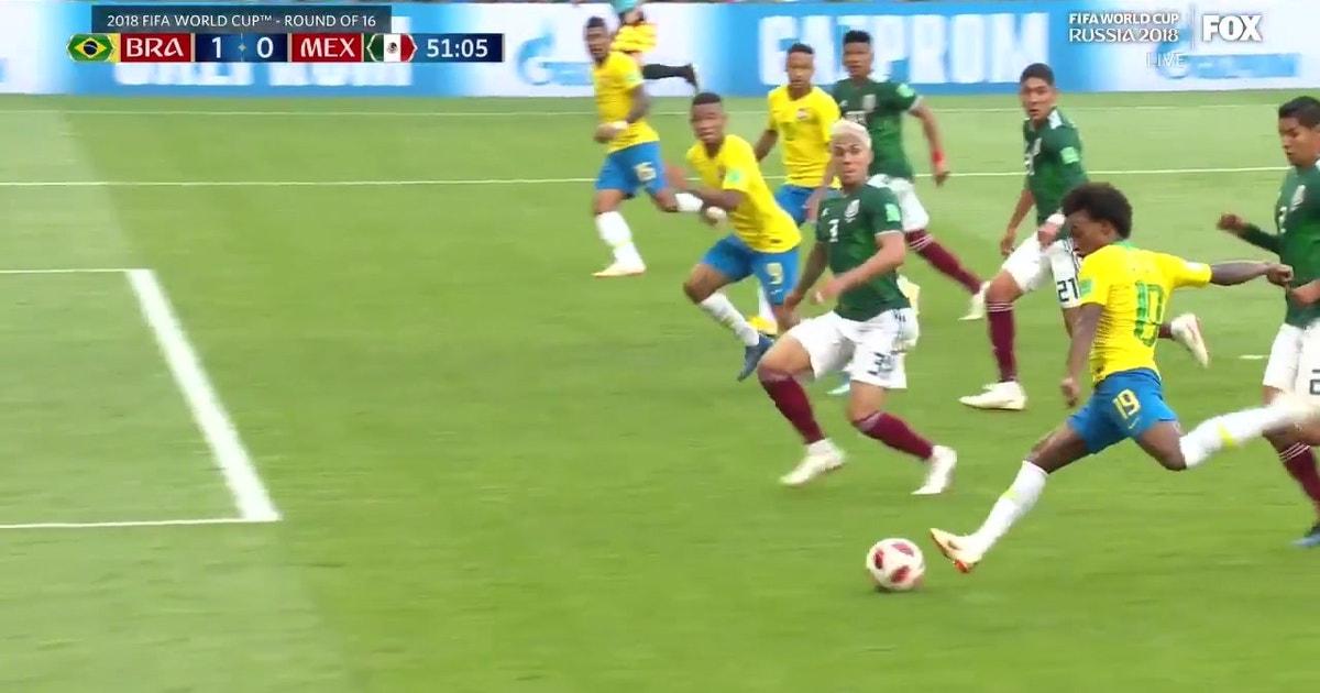 93cb9aadafa Neymar gives Brazil a lead over Mexico with a brilliant goal | FOX Sports
