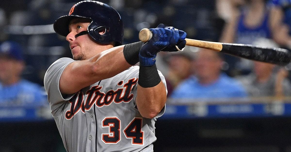 Tigers Score Three In Ninth To Beat Royals 5 4 Fox Sports