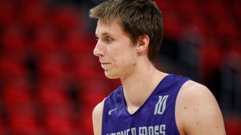 Vladimir Brodziansky, 6-11, 230 lbs.