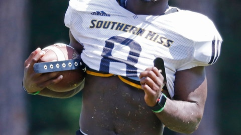 <p>               Southern Mississippi running back Tez Parks, carries the football upfield during NCAA college football practice at Southern Mississippi in Hattiesburg, Miss., Wednesday, Aug. 15, 2018. (AP Photo/Rogelio V. Solis             </p>