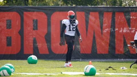 <p>               Cleveland Browns wide receiver Josh Gordon stands on the sideline during an NFL football team practice Monday, Aug. 27, 2018, in Berea, Ohio. (AP Photo/Ron Schwane)             </p>