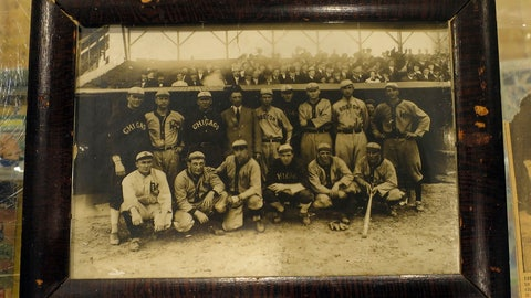 <p>               This image provided by Saco River Auctions in Biddeford, Maine, shows a photograph that belonged to baseball great Harry Lord. The 1910 photograph shows a group of American League all-stars, including Ty Cobb, front row, far left, prior to a game at Shibe Park in Philadelphia. It will sold sold at an upcoming auction in Biddeford. (Courtesy of Saco River Auctions via AP)             </p>