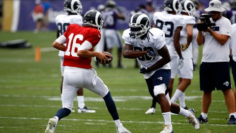 <p>               Los Angeles Rams running back Todd Gurley, right, runs a drill with quarterback Jared Goff during a joint NFL football training camp practice at the Baltimore Raven's headquarters, Tuesday, Aug. 7, 2018, in Owings Mills, Md. (AP Photo/Patrick Semansky)             </p>