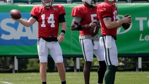 <p>               New York Jets quarterbacks Sam Darnold, left, Teddy Bridgewater, center, and Josh McCown participate during practice at the NFL football team's training camp in Florham Park, N.J., Monday, Aug. 6, 2018. (AP Photo/Seth Wenig)             </p>