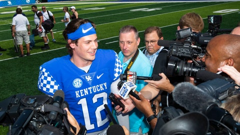 <p>               FILE - In this Aug. 3, 2018, file photo, sophomore quarterback Gunnar Hoak (12) answers questions from media members at the Kentucky NCAA college football media day at Kroger field in Lexington, Ky. Kentucky coach Mark Stoops will choose transfer Terry Wilson or redshirt sophomore Gunnar Hoak as the Wildcats' starting quarterback against Central Michigan but stressed that both will play. The competition is so close that the position might be a group effort early in the season.  (Silas Walker/Lexington Herald-Leader via AP, File)             </p>