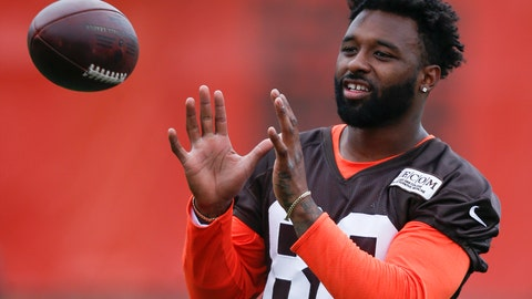 <p>               File-This June 5, 2018, file photo shows Cleveland Browns wide receiver Jarvis Landry warming up during the team's organized team activity at its NFL football training facility in Berea, Ohio. Landry says he would love for free agent Dez Bryant to join him in Cleveland. Landry said Monday, Aug. 13, 2018, that he has been in touch with Bryant, a three-time Pro Bowler who was released in April by the Dallas Cowboys. (AP Photo/Ron Schwane, File)             </p>