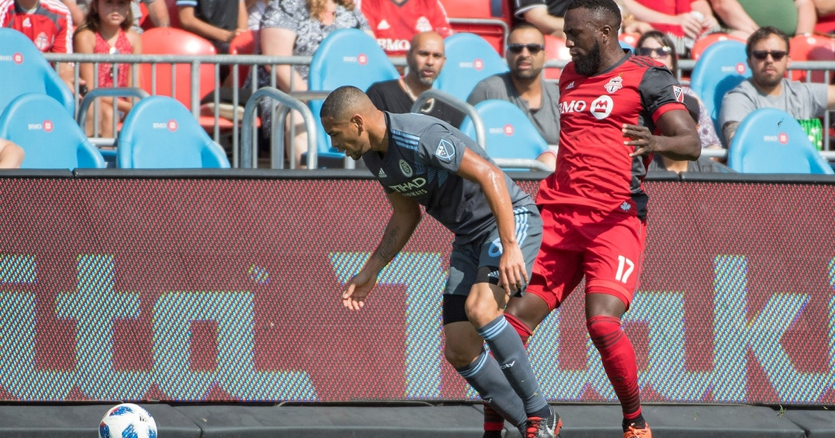 Jozy Altidore takes red card for controversial kick versus New York FC | 2018 MLS Highlights