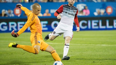 <p>               D.C. United's Wayne Rooney, right, pressures Montreal Impact goalkeeper Evan Bush during the second half of an MLS soccer match Saturday, Aug. 4, 2018, in Montreal. (Graham Hughes/The Canadian Press via AP)             </p>