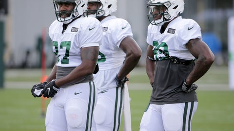 <p>               New York Jets' tight ends Clive Walford, left, Neal Sterling, center, and Chris Herndon participate in practice at the NFL football team's training camp in Florham Park, N.J., Thursday, Aug. 2, 2018. (AP Photo/Seth Wenig)             </p>