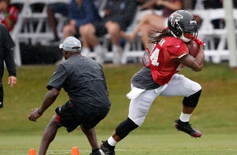 Devonta Freeman feeling good, smiling again for Falcons